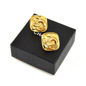 Chanel Vintage Chanel Rounded Square & CC Logo Gold tone Earrings