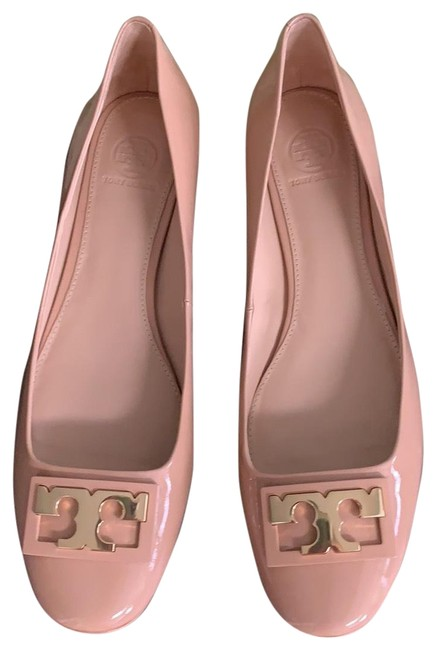 Item - Nude Flats Wedges Size US 10.5 Regular (M, B)