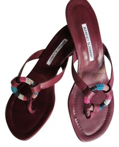 Manolo Blahnik Size 39 Wine Kitten Heel Michael Kor Vintage Unique Burgundy Sandals