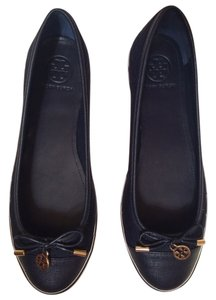 Tory Burch Never Worn Quilted Navy Flats