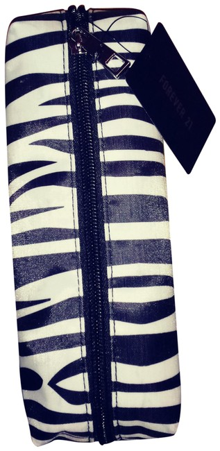 Item - Zebra Black/White Pvc Clutch