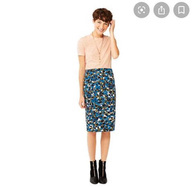 Item - Blue Green Blush Camo Floral Pencil Skirt Size 6 (S, 28)