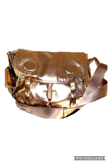 Item - Reptilian Saddle Gold Leather Cross Body Bag