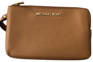MICHAEL Michael Kors Wristlet in Brow, white
