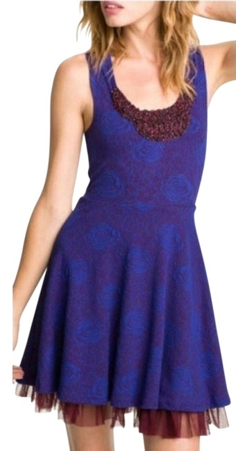 Item - Burgundy Rock Princes Fit and Flare Short Casual Dress Size 2 (XS)