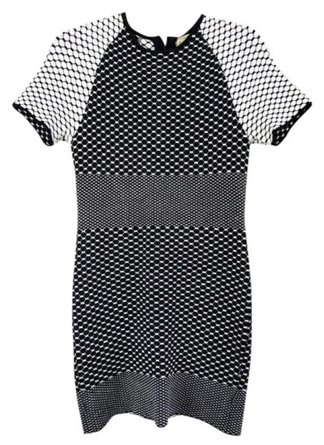 Item - Black and White Short Night Out Dress Size 8 (M)