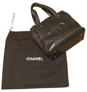 Chanel Classic Caviar Leather Tote in Black