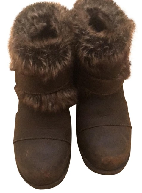Item - Fur Waterproof Boots/Booties Size US 6 Regular (M, B)