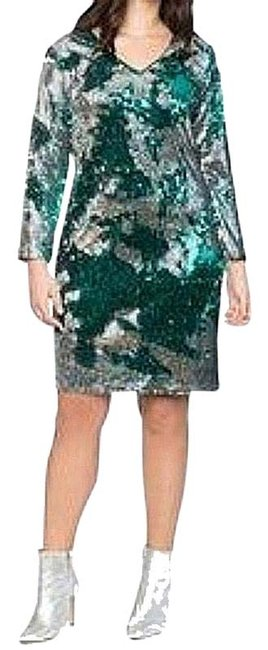 Item - Silver/Green Long Sleeve Sequin Sheath Mid-length Cocktail Dress Size 16 (XL, Plus 0x)