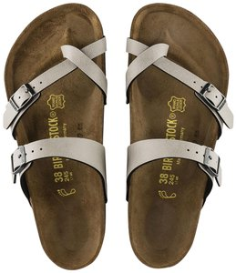 Grey Birkenstock Sandals Regular (M, B) Up to 90% off at Tradesy