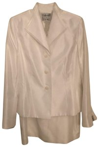 Le Suit NWT COLLECTIONS FOR LESUIT 2 PIECE WHITE SUIT SKIRT AND BLAZER