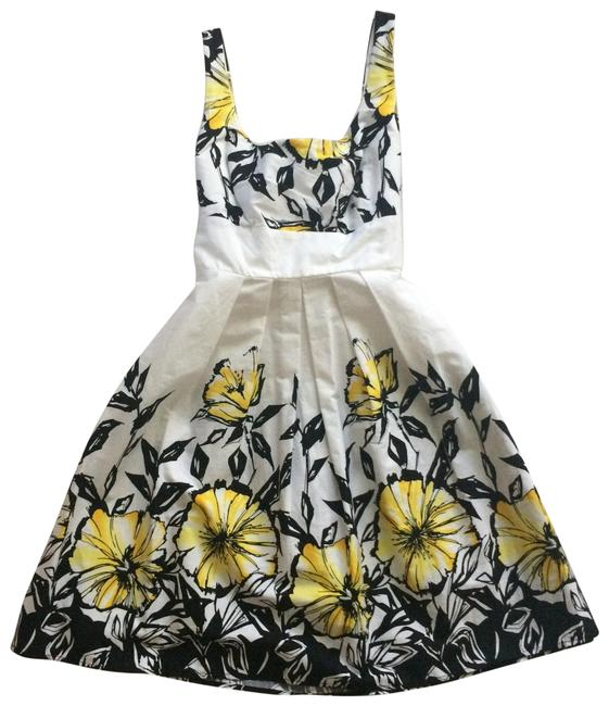 Item - White/ Yellow/ Black Floral Mid-length Short Casual Dress Size 10 (M)
