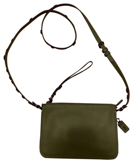 Preload https://img-static.tradesy.com/item/26593398/brighton-coach-olive-green-leather-cross-body-bag-0-1-540-540.jpg