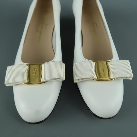Salvatore Ferragamo Vintage Deadstock New Bow With Box White Pumps Image 2