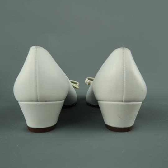 Salvatore Ferragamo Vintage Deadstock New Bow With Box White Pumps Image 6