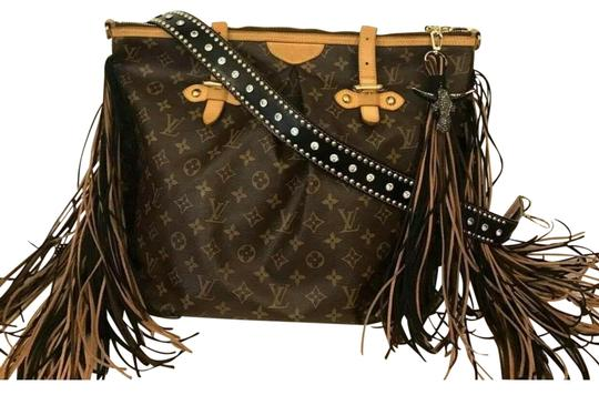 Preload https://img-static.tradesy.com/item/26593643/louis-vuitton-palermo-monogram-gm-with-flare-brown-leather-coated-canvas-shoulder-bag-0-1-540-540.jpg