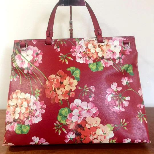 Gucci Bamboo Blooms Print Leather Top Handle Tote in Red Image 4
