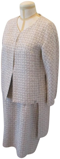 Item - Beiges and Silver Tweed High/Low Jacket (44) with Matching Sleeveless Dress Skirt Suit Size 12 (L)