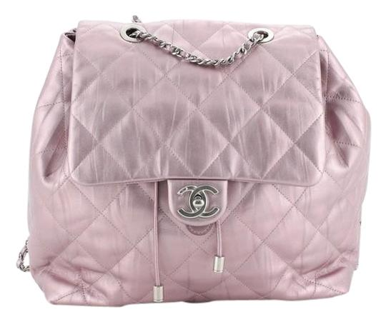 Preload https://img-static.tradesy.com/item/26593726/chanel-ground-control-flap-quilted-iridescent-calfskin-small-metallic-purple-leather-backpack-0-1-540-540.jpg