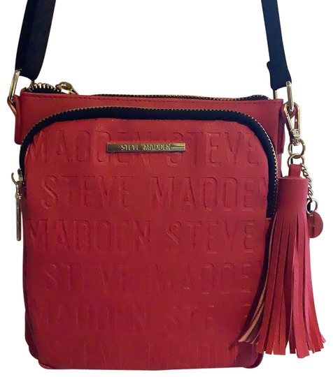 Preload https://img-static.tradesy.com/item/26593747/steve-madden-bglamm-red-faux-leather-messenger-bag-0-2-540-540.jpg