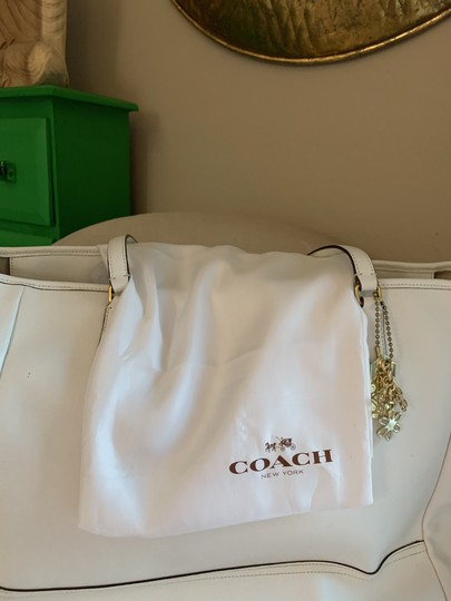 Coach City Extra Large Saffiano Leather Tote in Off White Image 10