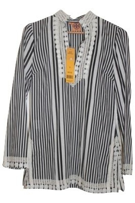 Preload https://item2.tradesy.com/images/tory-burch-black-and-white-tunic-size-8-m-266-0-0.jpg?width=400&height=650