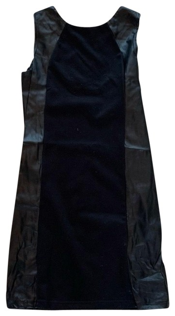 Item - Black Cotton Pleather Like Medium Shift Mid-length Cocktail Dress Size 8 (M)
