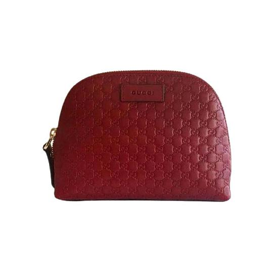 Preload https://img-static.tradesy.com/item/26606492/gucci-cosmetic-case-microguccissima-449893-red-leather-weekendtravel-bag-0-0-540-540.jpg