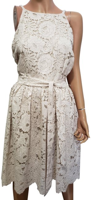Preload https://img-static.tradesy.com/item/26606765/alexia-admor-off-white-lace-mid-length-cocktail-dress-size-10-m-0-2-650-650.jpg