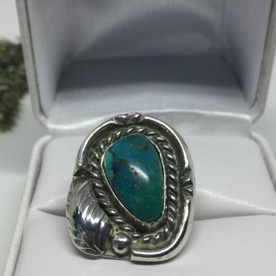 Native American Vintage Native American Turquoise Sterling Silver Ring Image 5