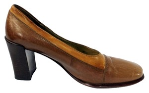 Bruno Magli Leather 6 B BROWN Pumps