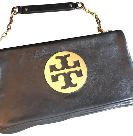 Preload https://img-static.tradesy.com/item/26606902/tory-burch-black-and-gold-leather-clutch-0-1-540-540.jpg