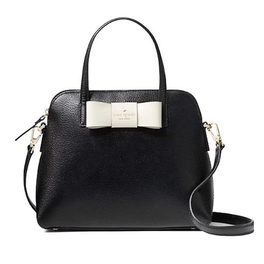 Preload https://img-static.tradesy.com/item/26606915/kate-spade-new-york-matthews-street-maise-bow-blackcream-cross-body-bag-0-0-540-540.jpg