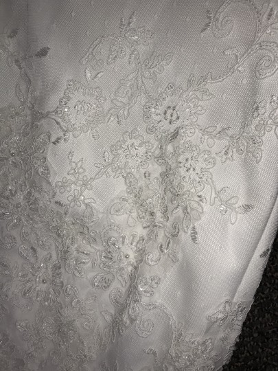 White Tulle/Lace No Style Number But Was Custom Made In Vietnam For Formal Wedding Dress Size 8 (M) Image 2
