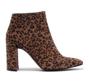 Stuart Weitzman Hollywood Date Night Night Out Party Camchs Leopard Boots
