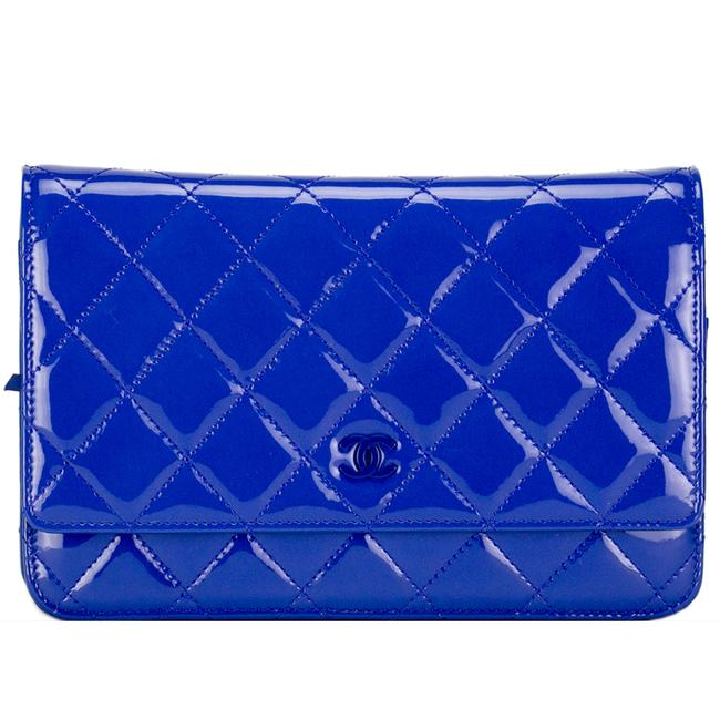 Item - Wallet on Chain Royal Woc Pristine Blue Patent Leather Cross Body Bag