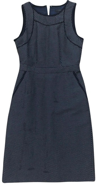 Item - Navy Blue Tipped Sheath In Dotted Jacquard Mid-length Short Casual Dress Size 00 (XXS)