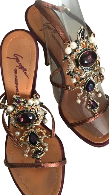 Item - Bejeweled Maroon and Gold Sandals Size EU 36 (Approx. US 6) Regular (M, B)