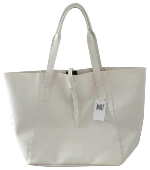 Item - White Soft Leather Tote