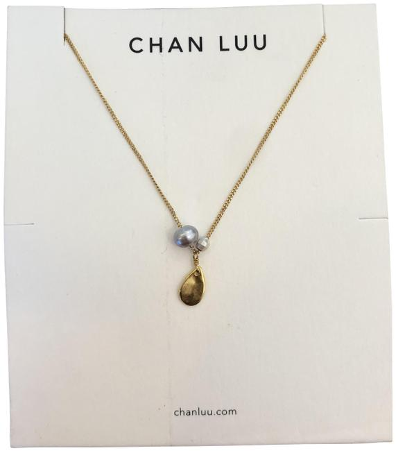Item - Gold/Grey Pearl New & Charm Necklace