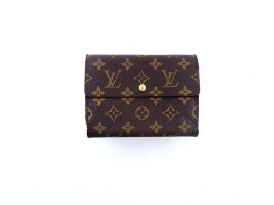 Preload https://img-static.tradesy.com/item/26618055/louis-vuitton-brown-clutch-continental-monogram-canvas-leather-trifold-wallet-0-0-540-540.jpg
