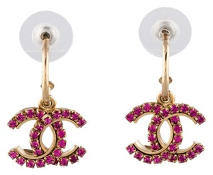 Chanel Gold-tone Chanel interlocking CC drop pink crystal earrings