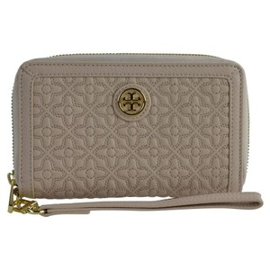 Tory Burch Quilted Bryant Leather Wristlet in Light Oak