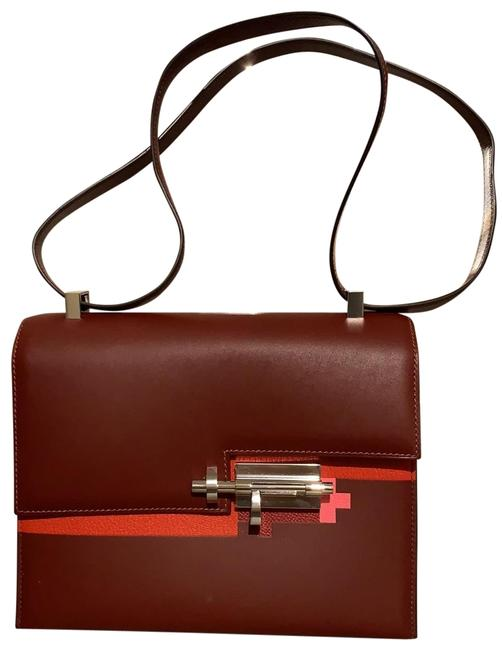 Item - Verrou 21 Burgundy Cross Body Bag