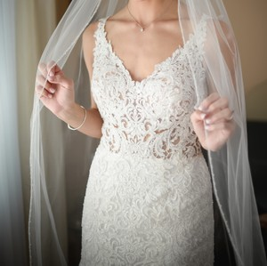 Bel Aire Bridal Ivory Long Cathedral with Sequin and Bead Edge Bridal Veil