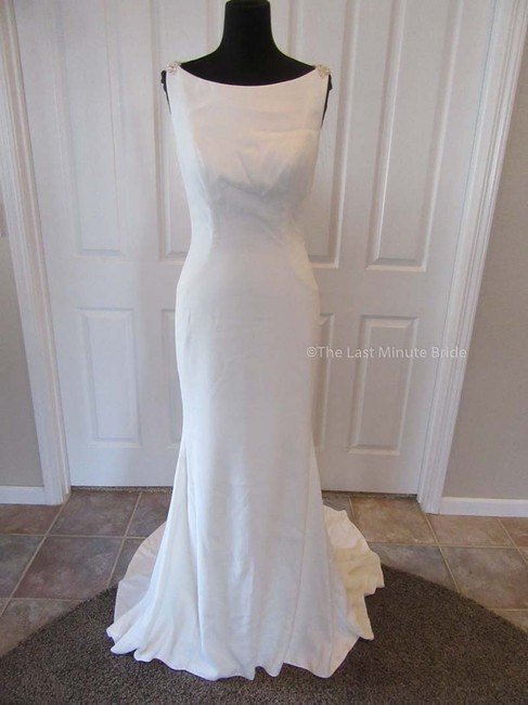 Item - Ivory/Nude/Silver Crepe 88024 Feminine Wedding Dress Size 6 (S)