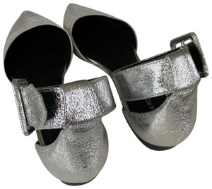 Marc Fisher Silver Flats