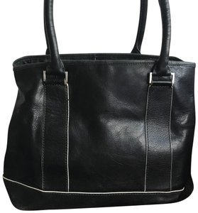 A X Armani Exchange Tote in Black