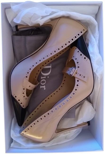 Item - Nude Spectadior Pumps Size EU 39 (Approx. US 9) Regular (M, B)