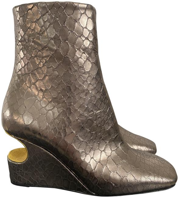 Item - Silver Snake Leather Carved Out Wedge Ankle Boots/Booties Size EU 35 (Approx. US 5) Regular (M, B)